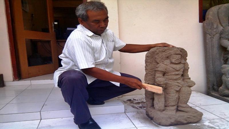 https: img-z.okeinfo.net content 2014 10 21 340 1055184 arca-mataram-hindu-ditemukan-di-sleman-c8NXLCvuU8.jpg