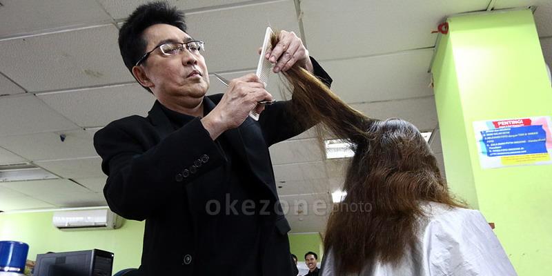 https: img-z.okeinfo.net content 2014 11 06 83 1061908 efek-samping-menyasak-rambut-q4DQbHDZl4.jpg