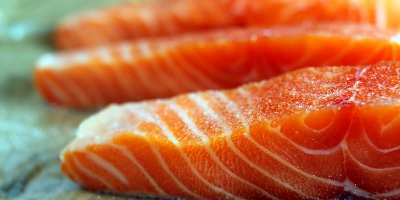 https: img-z.okeinfo.net content 2014 12 09 481 1076910 konsumsi-salmon-bagus-untuk-kesehatan-kulit-j2YMSXGuy0.jpg