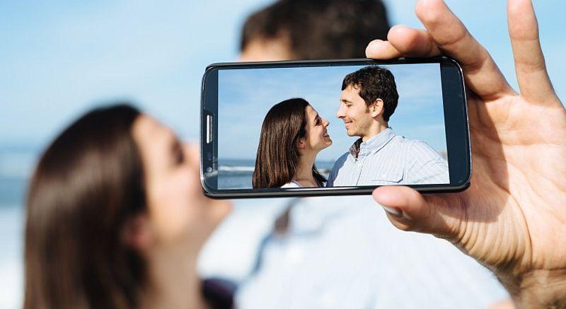 https: img-z.okeinfo.net content 2015 03 09 65 1115888 pelajaran-khusus-tentang-selfie-Peylqdquq1.jpg