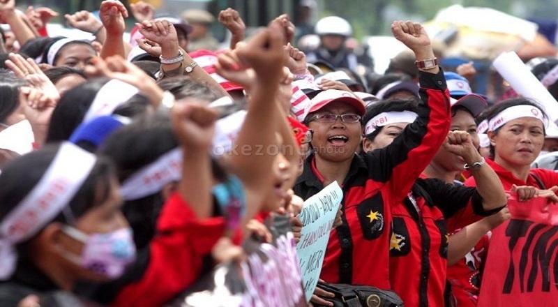 https: img-z.okeinfo.net content 2015 04 29 320 1142103 buruh-indonesia-sulit-sejahtera-karena-ini-ApU2wFr1pn.jpg