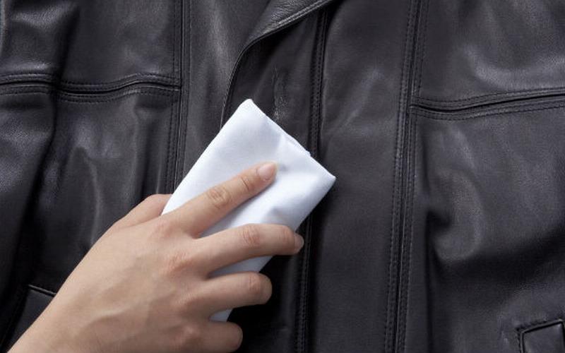 https: img-z.okeinfo.net content 2015 09 08 194 1210296 panduan-cuci-jaket-kulit-dengan-benar-UhCdZyv9Mc.jpg