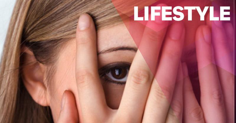 https: img-z.okeinfo.net content 2015 10 09 481 1229146 gadis-ini-tewas-akibat-phobia-lihat-tinjanya-sendiri-VRX36n87l5.jpg