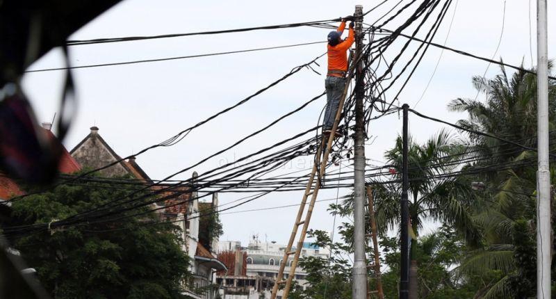 https: img-z.okeinfo.net content 2015 10 26 19 1238313 kisah-nasionalisasi-perusahaan-listrik-milik-belanda-MwsY42vjaw.jpg