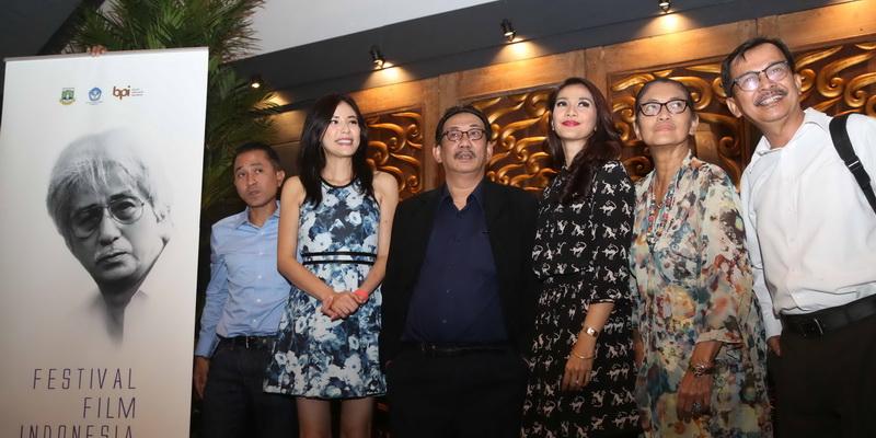 https: img-z.okeinfo.net content 2015 11 23 206 1254578 daftar-pemenang-festival-film-indonesia-ffi-2015-nuHzUcBDeC.jpg
