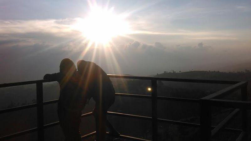https: img-z.okeinfo.net content 2016 01 08 406 1283482 lihat-sunset-terindah-datangi-saja-bandung-9enfCRGSxe.jpg
