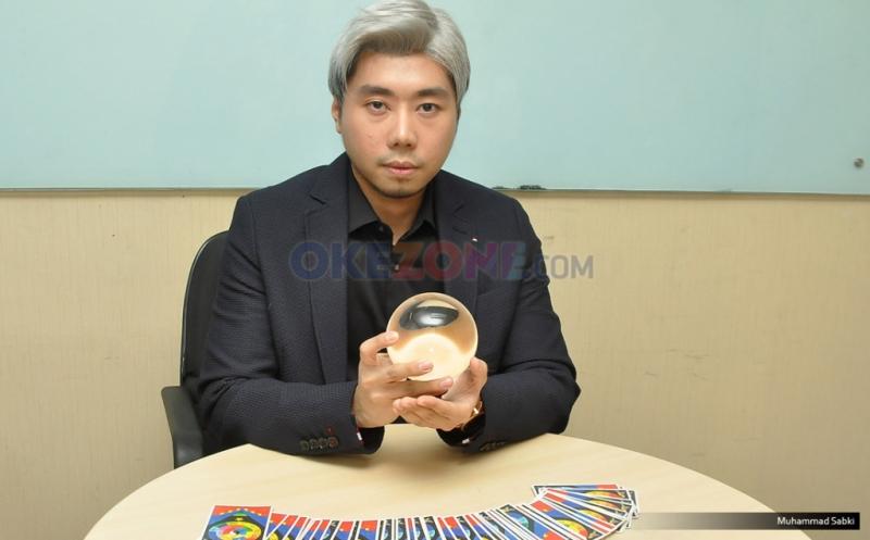 https: img-z.okeinfo.net content 2016 03 02 196 1325863 curhatan-roy-kiyoshi-miliki-karier-tak-biasa-Uta49L0u3I.jpg