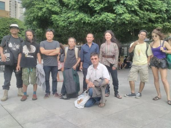 https: img-z.okeinfo.net content 2016 05 01 206 1377232 kelompok-seniman-prancis-akui-orang-indonesia-ramah-JPSH6nHKO8.jpg