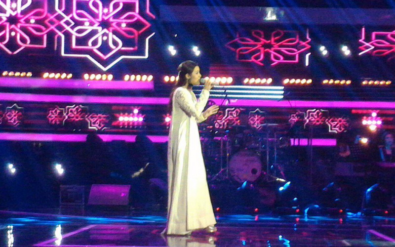 https: img-z.okeinfo.net content 2016 06 20 205 1420598 raisa-maniskan-grand-final-the-voice-indonesia-2016-BRqlWsF5LX.jpg