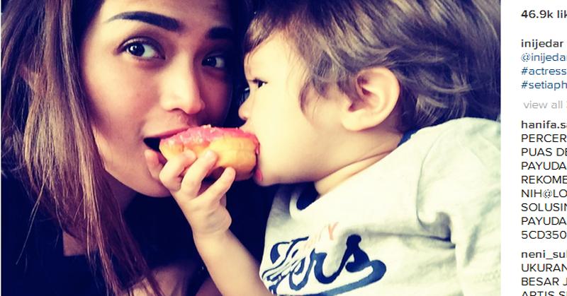 https: img-z.okeinfo.net content 2016 06 30 196 1429339 foto-jessica-iskandar-berbagi-cerita-menjadi-single-parents-CK7V7pvNNe.jpg