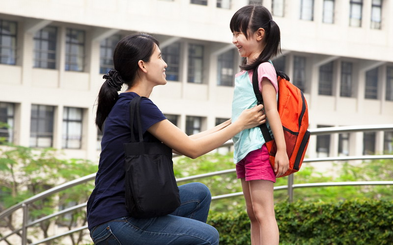 https: img-z.okeinfo.net content 2016 07 15 196 1439060 hari-pertama-sekolah-anak-diantar-orangtua-ini-manfaatnya-ajwy4KdlIP.jpg
