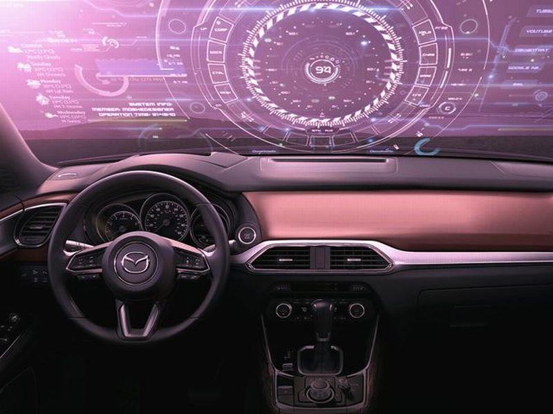 Mazda Kembangkan Monitor Besar Terintegrasi Dengan Kaca