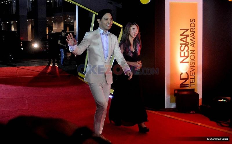 https: img-z.okeinfo.net content 2016 09 16 597 1490789 jin-goo-hingga-isyana-ramaikan-ajang-indonesian-television-awards-2016-F0nC1J4tqc.jpg