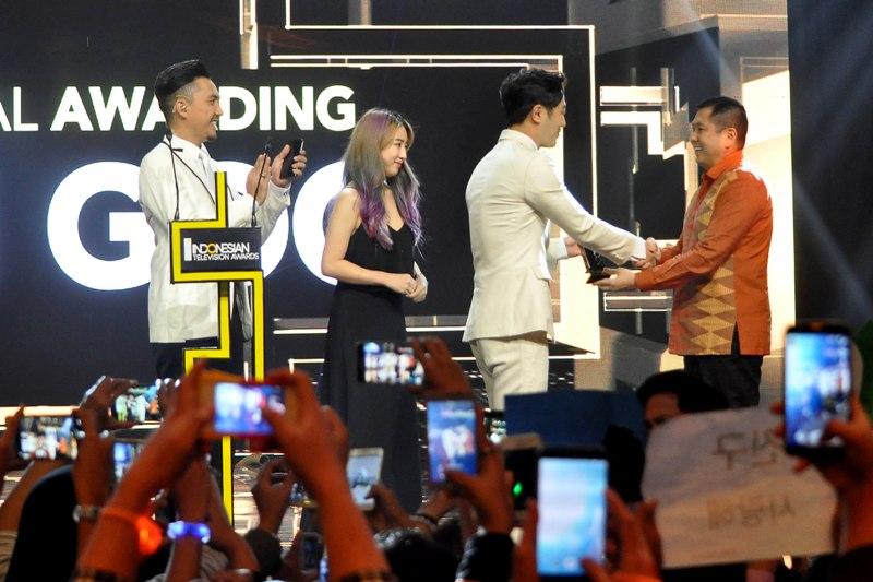 https img z.okeinfo.net content 2016 09 16 598 1490722 daftar pemenang indonesian television award 2016 yMMKYRTMmN.jpg
