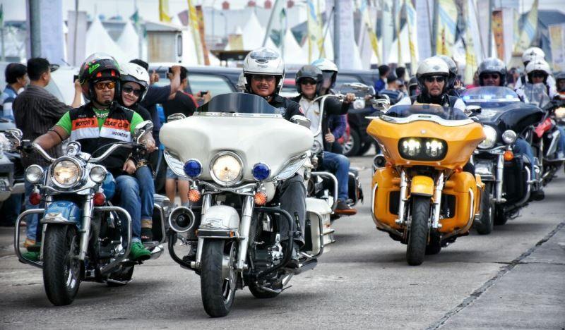 https: img-z.okeinfo.net content 2016 09 30 15 1503240 komunitas-hdci-targetkan-bikers-luar-negeri-datang-ke-indonesia-pada-2020-2sIyBqO1uT.jpg