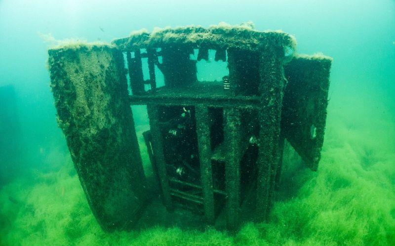 https: img-z.okeinfo.net content 2016 10 08 406 1509731 ngeri-ada-penjara-di-bawah-laut-E5Wro4EeBJ.jpg