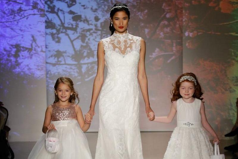 https img z.okeinfo.net content 2016 10 18 194 1517796 pilihan gaun ala disney princess ini bisa jadi inspirasi pernikahan anda eJP3qRllWr.jpg