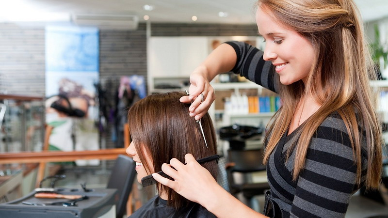 https: img-z.okeinfo.net content 2016 11 02 194 1531187 hairdressers-di-illinois-dilatih-khusus-kenali-tanda-kekerasan-fisik-6m1rxdcCTB.jpg