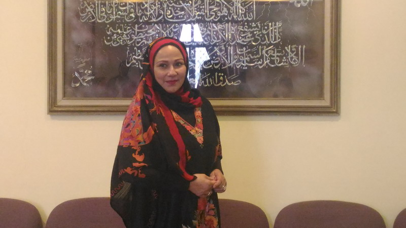 https: img-z.okeinfo.net content 2016 12 01 33 1556305 camelia-malik-jadi-relawan-aksi-damai-212-bgyR9BoEQd.jpg