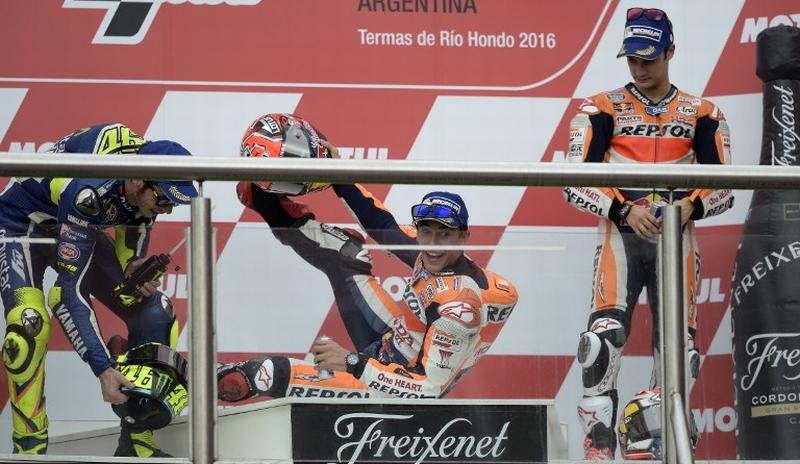 https: img-z.okeinfo.net content 2016 12 01 38 1555700 marquez-terpeleset-di-podium-gp-argentina-BbXA7J2gdP.jpg
