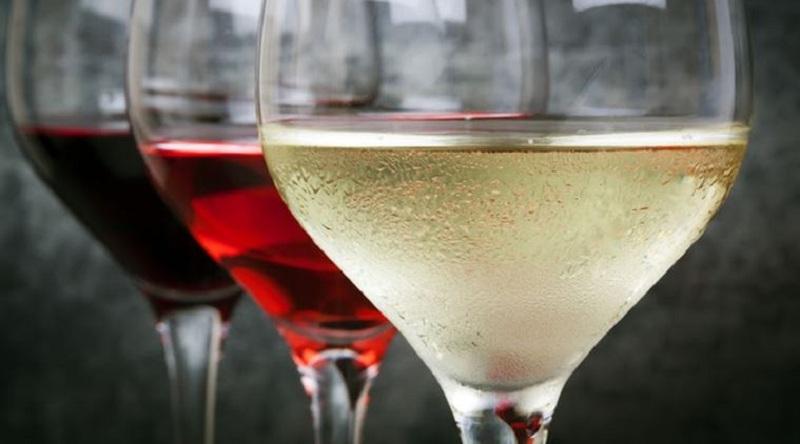 https: img z.okeinfo.net content 2016 12 02 481 1557419 anggur putih tingkatkan risiko kanker kulit melanoma wTq46JJxLc.jpg