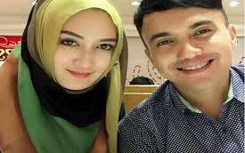 https img z.okeinfo.net content 2016 12 19 33 1570046 mantan istri komentari gosip sahrul gunawan dekati gadis remaja rvUqDgZe1B.jpg