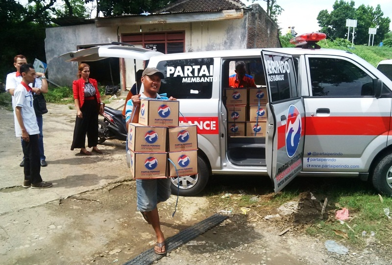 https: img-z.okeinfo.net content 2016 12 29 340 1578114 rescue-perindo-makanan-siap-saji-jadi-kebutuhan-mendesak-korban-banjir-bima-khApDokpdz.jpg