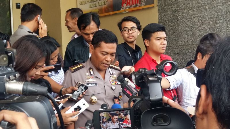 https: img-z.okeinfo.net content 2017 01 12 338 1589351 polisi-siap-amankan-demo-bem-se-indonesia-di-depan-istana-Qa6RsNe74U.jpg