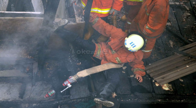 https: img-z.okeinfo.net content 2017 01 17 525 1593729 2-orang-luka-bakar-akibat-kebakaran-hebat-di-bandung-ae0ja1uUlZ.jpg