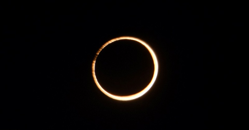 https: img-z.okeinfo.net content 2017 02 27 56 1629041 gerhana-cincin-api-terlihat-di-langit-amerika-selatan-afrika-YBzq62YL20.jpg