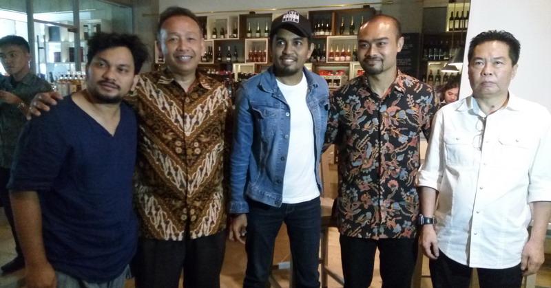 https: img-z.okeinfo.net content 2017 03 10 205 1639057 glenn-fredly-siap-jadikan-ambon-city-of-music-di-indonesia-0o1yUWZSh0.jpg