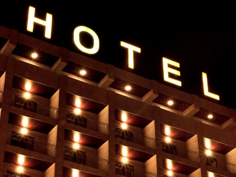 https: img-z.okeinfo.net content 2017 03 10 406 1639501 akhir-pekan-ini-cari-hotel-murah-yuk-UAQu46Jllc.jpg