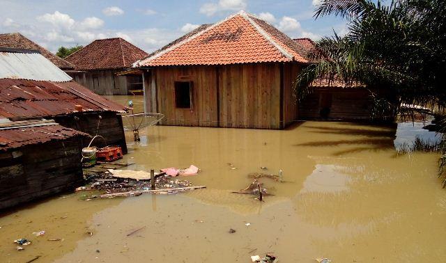 https: img-z.okeinfo.net content 2017 03 14 340 1642598 alamak-banjir-di-muba-meluas-dan-ketinggian-air-terus-meningkat-dUPpYdJoM9.jpg