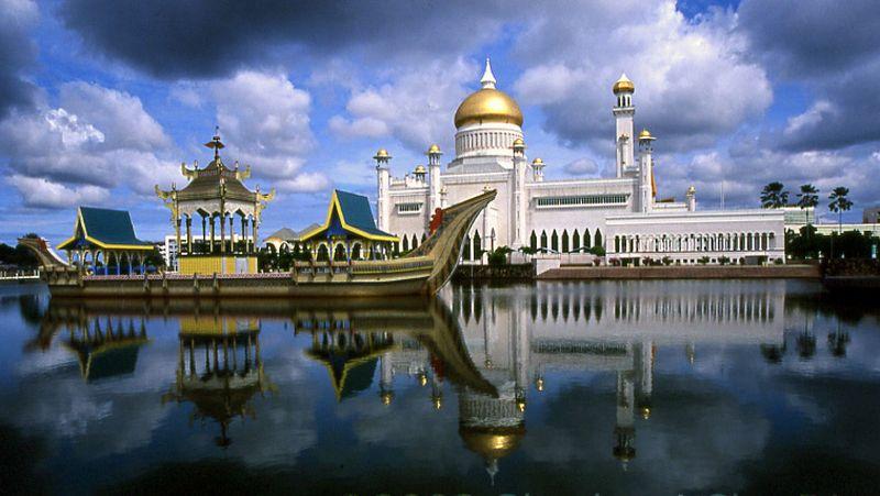https: img-z.okeinfo.net content 2017 03 22 406 1648956 3-destinasi-terhangat-untuk-wisatawan-muslim-di-brunei-darussalam-Ufn29z4ZUi.jpg