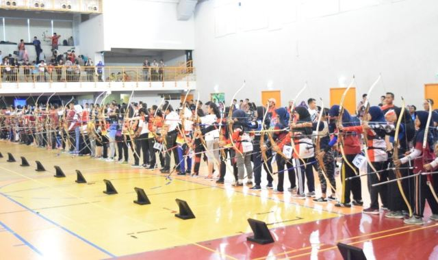 https: img-z.okeinfo.net content 2017 04 08 43 1662139 631-peserta-ikuti-kejuaraan-nasional-memanah-binus-indoor-archery-2017-0jcJDvNGAw.jpg
