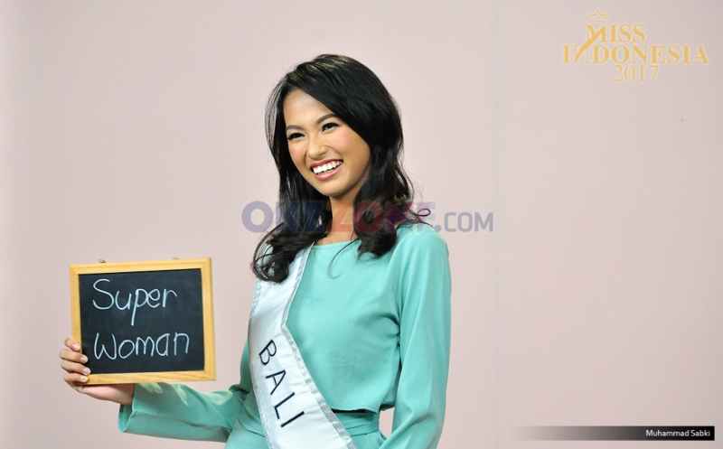 https: img-z.okeinfo.net content 2017 04 14 194 1667964 miss-indonesia-2017-berlian-audya-parimayuna-dari-bali-fhHDEJGwhG.jpg