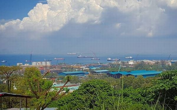 https: img-z.okeinfo.net content 2017 04 19 406 1671825 bukit-senyum-spot-mengintip-gemerlapnya-singapura-cI6bJfOCCK.JPG