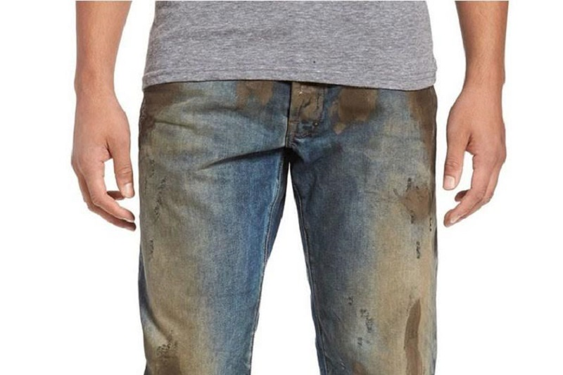https: img-z.okeinfo.net content 2017 04 27 194 1677677 apa-celana-jeans-lusuh-dan-berlumpur-ini-dijual-rp5-6-juta-yakin-mau-beli-VGOxF9NRgv.jpg