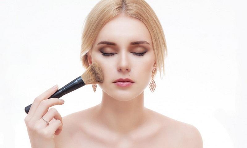https img z.okeinfo.net content 2017 05 19 194 1694999 kosmetik mengandung sulfur untuk kulit berjerawat apakah sudah tepat IwSsxLRYR2.jpg