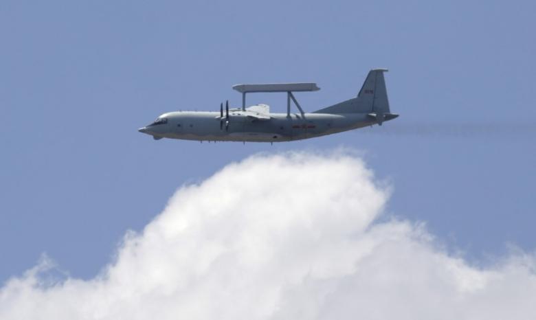 https: img-z.okeinfo.net content 2017 05 19 207 1695585 keren-as-uji-coba-pertama-pesawat-otonom-zgWyMOdUeu.jpg