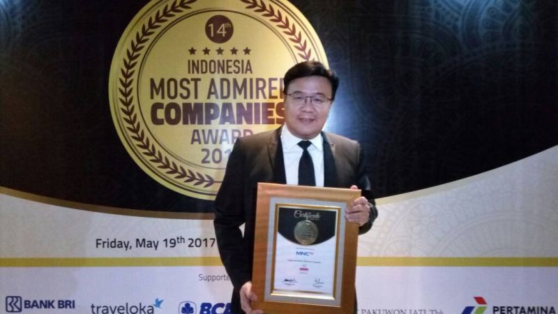 https img z okeinfo net content 2017 05 19 320 1695661 mantap mnctv terima penghargaan indonesia most admired companies imaco award 2017 9Erb8SxkGN jpg