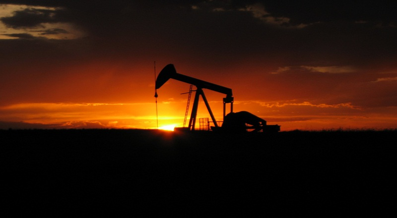 https: img-z.okeinfo.net content 2017 05 20 320 1695817 harga-minyak-dunia-naik-ke-usd53-61-tersulut-sentimen-pemangkasan-produksi-dJy87WhP4s.jpg