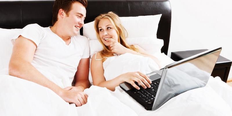 https: img-z.okeinfo.net content 2017 05 23 196 1698344 berencana-nonton-film-porno-dengan-istri-sebaiknya-simak-dulu-tips-ini-GsHZIm531d.jpg