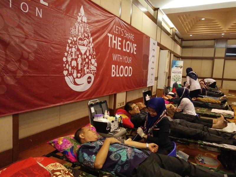 https: img-z.okeinfo.net content 2017 05 23 337 1697731 mnc-group-selenggarakan-donor-darah-tiap-3-bulan-sekali-Sgciz8pNow.jpg