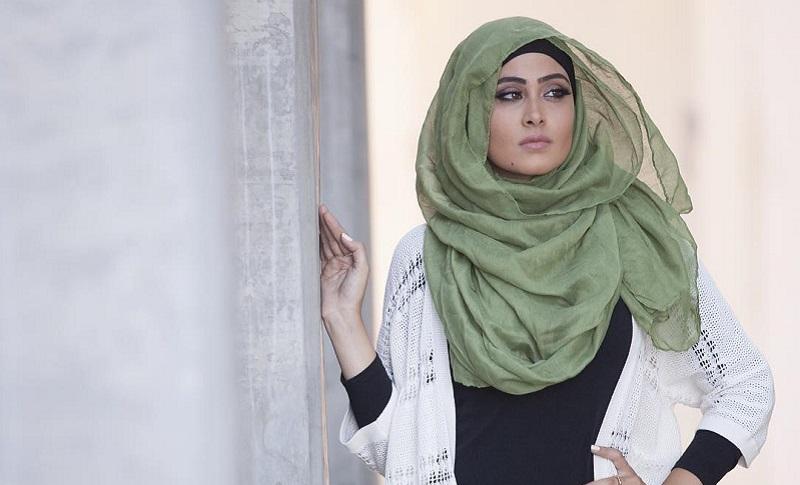 https: img-z.okeinfo.net content 2017 06 09 194 1711800 menunjang-penampilan-ini-5-barang-penting-yang-harus-dimiliki-hijabers-DAveEk5utr.jpg