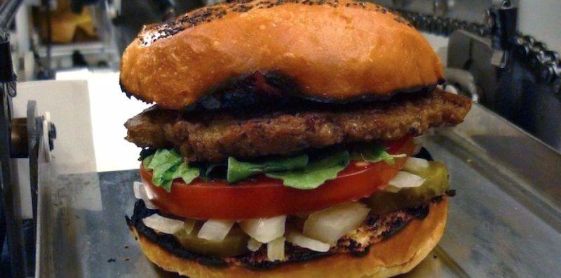 https: img-z.okeinfo.net content 2017 06 13 56 1715003 robot-ini-membuat-fast-food-di-restoran-qnwFnz3yFL.jpg