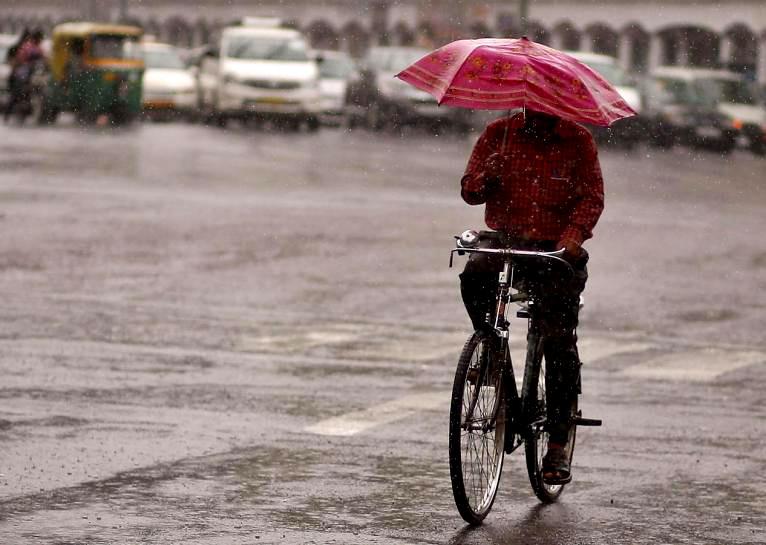 https: img-z.okeinfo.net content 2017 06 14 56 1716200 alquran-dan-sains-jelaskan-bagaimana-rasa-air-hujan-sebenarnya-DuHFpDwqYx.jpg