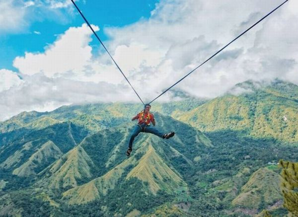 https: img-z.okeinfo.net content 2017 06 16 406 1718367 uncover-indonesia-indahnya-terjun-bebas-di-atas-bukit-buttu-macca-sulawesi-selatan-le97uPRY97.JPG