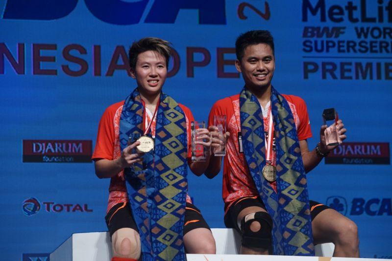 https: img-z.okeinfo.net content 2017 06 18 40 1719330 kalahkan-ganda-campuran-china-tontowi-liliyana-juara-indonesia-open-2017-QSgaXQEncK.jpg