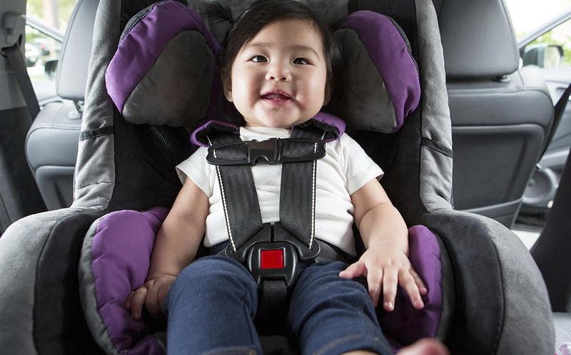 https: img-z.okeinfo.net content 2017 06 19 196 1719724 trik-aman-gunakan-car-seat-untuk-anak-saat-mudik-PYvKO3F5Ti.jpg